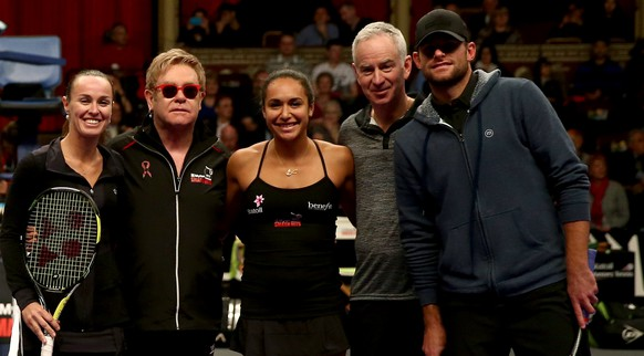 LONDON, ENGLAND - DECEMBER 07:  (From L-R) Kim Clijsters, Tim Henman, Billie Jean King, Sabine Lisicki, Jamie Murray, Martina Hingis, Sir Elton John, Heather Watson, John McEnroe and Andy Roddick line up ahead of the Mylan WTT Smash Hits match on day five of the Statoil Masters Tennis at the Royal Albert Hall on December 7, 2014 in London, England.  (Photo by Jordan Mansfield/Getty Images)
