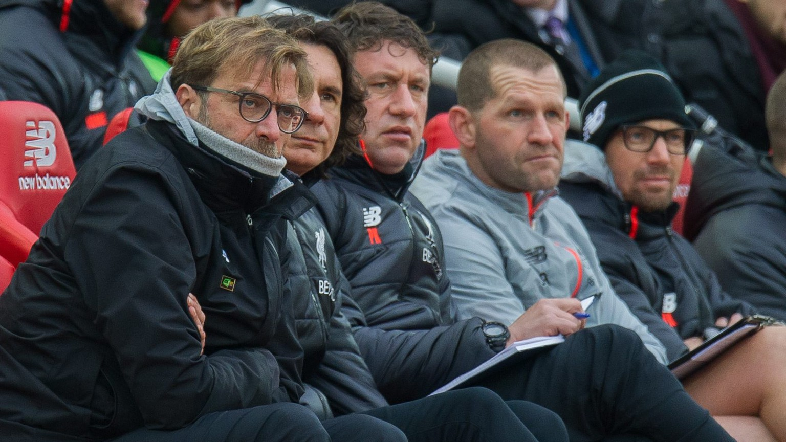 epa05738446 Liverpool Manager Juergen Klopp (L) reacts during the English Premier League soccer match between Liverpool and Swansea City held at Anfield, Liverpool, Britain, 21 January 2017.  EPA/PETER POWELL EDITORIAL USE ONLY. No use with unauthorized audio, video, data, fixture lists, club/league logos or 'live' services. Online in-match use limited to 75 images, no video emulation. No use in betting, games or single club/league/player publications