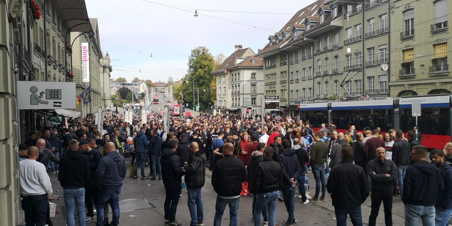 Europa League 2000 Feyenoord Fans In Bern Polizei Markiert