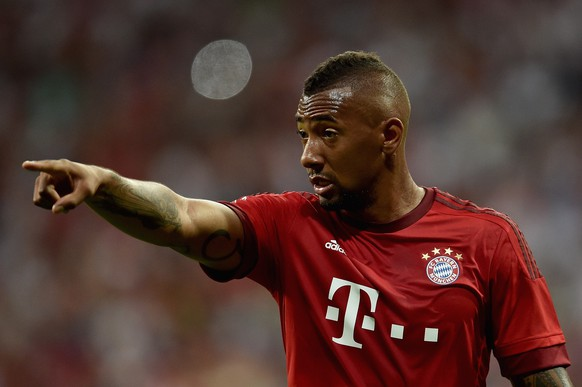 MUNICH, GERMANY - AUGUST 04:  Jerome Boateng of FC Bayern Muenchen gestures during the Audi Cup 2015 match between FC Bayern Muenchen and AC Milan at Allianz Arena on August 4, 2015 in Munich, Germany.  (Photo by Dennis Grombkowski/Bongarts/Getty Images)