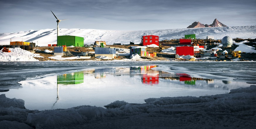 A view shows Antarctica's Mawson station looking across Horseshoe Harbour from East Arm, with the peaks of Mt Henderson behind, in this undated photo supplied to Reuters February 24, 2016 by the Australian Antarctic Division. According to a statement released Wednesday by the Australian Antarctic Division, the supply ship Aurora Australis broke free of its mooring lines at Mawson Station and has run aground during a blizzard with 67 expeditions and crew aboard.  REUTERS/Chris Wilson-Australian Antarctic Division/Handout via Reuters    ATTENTION EDITORS - THIS IMAGE WAS PROVIDED BY A THIRD PARTY. REUTERS IS UNABLE TO INDEPENDENTLY VERIFY THE AUTHENTICITY, CONTENT, LOCATION OR DATE OF THIS IMAGE. IT IS DISTRIBUTED EXACTLY AS RECEIVED BY REUTERS, AS A SERVICE TO CLIENTS. FOR EDITORIAL USE ONLY. NOT FOR SALE FOR MARKETING OR ADVERTISING CAMPAIGNS. NO RESALES. NO ARCHIVE.