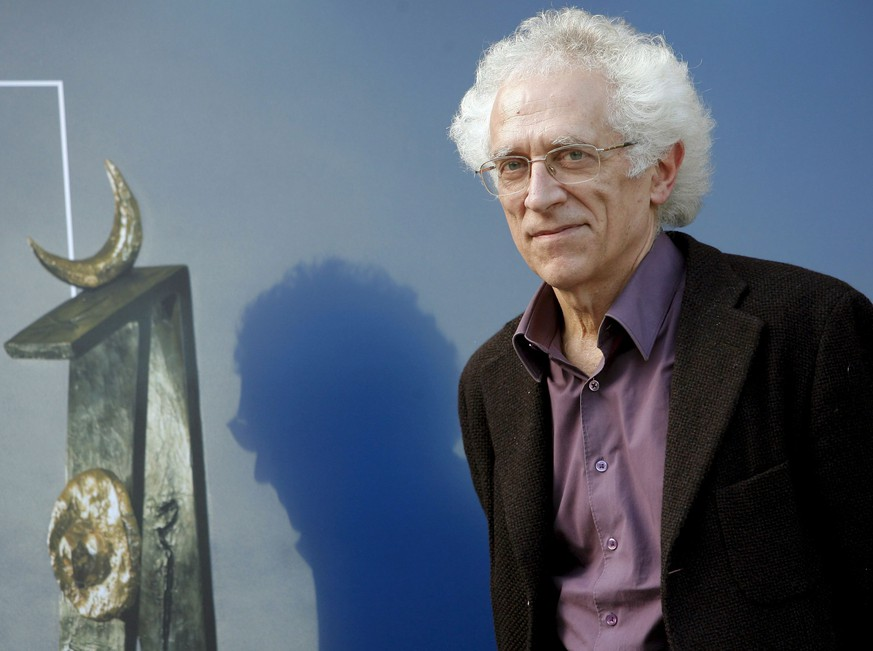 epa05776516 (FILE) - A file picture dated 22 November 2008 shows Bulgarian-French historian and philosopher Tzvetan Todorov at his arrival to Oviedo, Asturias, Spain. Todorov has died 07 February 2017 at the age of 77 in Paris, France, according to media reports.  EPA/JL CEREIJIDO