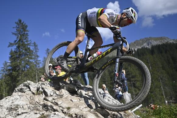 Nino Schurter of Switzerland in action during the UCI Cross Country Mountain Bike World Cup Cross Country race, on Sunday, September 5, 2021, in Lenzerheide, Switzerland. (KEYSTONE/Gian Ehrenzeller)