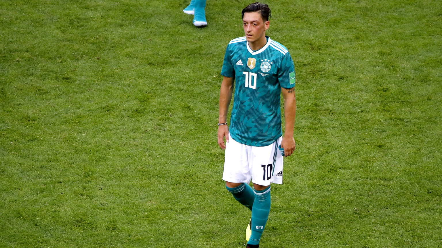 epa06844924 Mesut Oezil of Germany reacts after the FIFA World Cup 2018 group F preliminary round soccer match between South Korea and Germany in Kazan, Russia, 27 June 2018.
