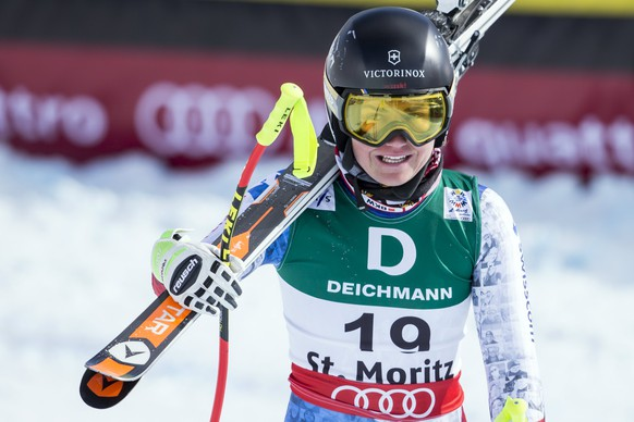 epa05780271 Fabienne Suter of Switzerland reacts in the finish area during the women's Downhill training at the 2017 FIS Alpine Skiing World Championships in St. Moritz, Switzerland, 09 February 2017.  EPA/ALEXANDRA WEY