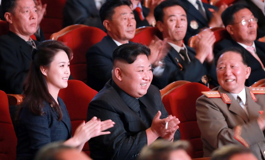 epa06195582 North Korean leader Kim Jong-un (C) attends an event in Pyongyang to celebrate the latest nuclear test, Pyongyang, North Korea, 03 September 2017 (Issued 10 September 2017).  EPA/YONHAP SOUTH KOREA OUT HANDOUT EDITORIAL USE ONLY/NO SALES