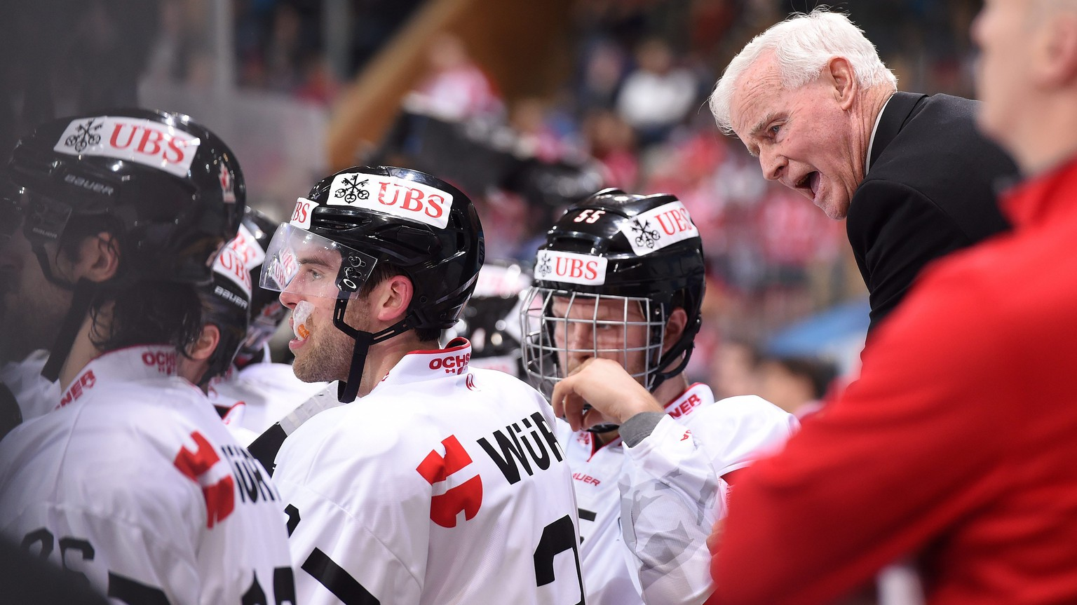 epa05688936 Canadas Assistant Coach Dave King, during the game between HK Dinamo Minsk and Team Canada  at the 90th Spengler Cup ice hockey tournament in Davos, Switzerland, Monday, December 26, 2016.  EPA/MELANIE DUCHENE