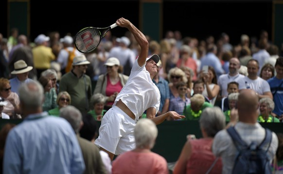 Britain Tennis - Wimbledon - All England Lawn Tennis & Croquet Club, Wimbledon, England - 9/7/16 Canada's Milos Raonic during a practice session REUTERS/Toby Melville
