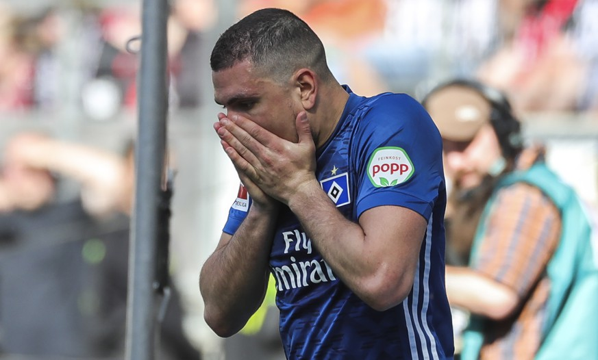 epa06713078 Hamburg's Kyriakos Papadopoulos reacts  during the German Bundesliga soccer match between Eintracht Frankfurt and Hamburger SV (HSV) in Frankfurt Main, Germany, 05 May 2018.  EPA/ARMANDO BABANI EMBARGO CONDITIONS - ATTENTION: Due to the accreditation guidelines, the DFL only permits the publication and utilisation of up to 15 pictures per match on the internet and in online media during the match.