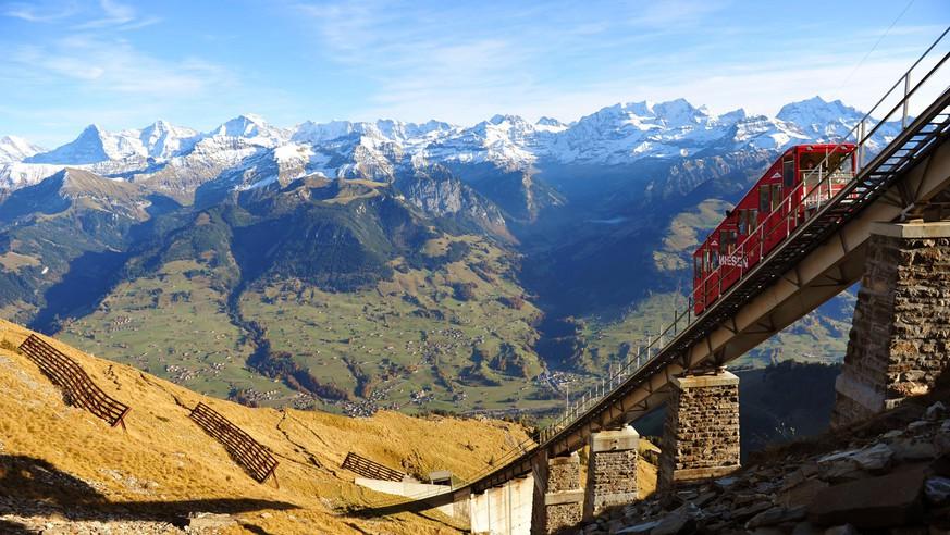 Steil und oben ohne – 7 spektakuläre Bergbahnen der Schweiz