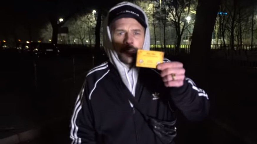 Youtube Video Klaas Gibt Sich Als Koks Dealer In Late Night
