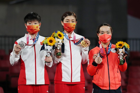 <strong>Tischtennis, Frauen, Einzel </strong>Gold: Chen Meng (CHN) Silber: Sun Yingsha (CHN) Bronze: Mima Ito (JPN)
