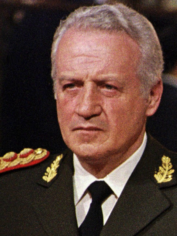 Former Argentine dictator Gen. Leopoldo Galtieri is seen in a June 11, 1982 photo, at the end of the Falklands War. Galtieri was arrested in Buenos Aires Thursday July 11, 2002 for allegedly taking part in the abduction, torture and execution of 20 leftist guerrillas and others during Argentina's military dictatorship. The 72-year-old general, who led Argentina to war with Britain over the Falkland Islands in 1982, was arrested on the orders of a federal judge prosecuting human rights abuses. (KEYSTONE/AP Photo/Str)