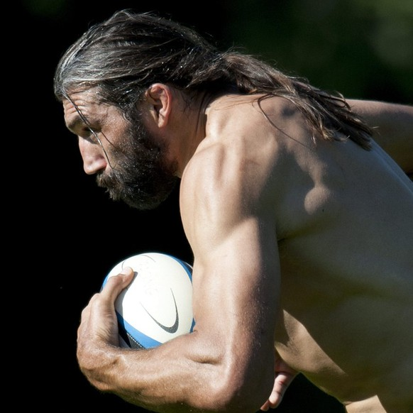 French rugby player Sebastien Chabal from the French team Racing Metro 92, attends a training session at Chalet-a-Gobet, near Lausanne, Switzerland, Monday 1st August, 2011.   (KEYSTONE/Dominic Favre)