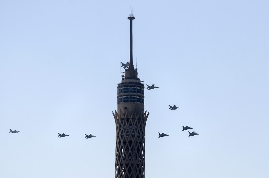 epa04855523 France built Rafael fighter jets fly over Cairo, Egypt, 21 July 2015. According to reports France's Dassault Aviation has made delivery of the first three of 24 Rafael fighter jets to Egypt, lending a number of other jets so they can take part in the opening ceremony of extensions and expansion of the Suez canal 06 August.  EPA/AYMAN AREF / ALMASRY ALYOUM