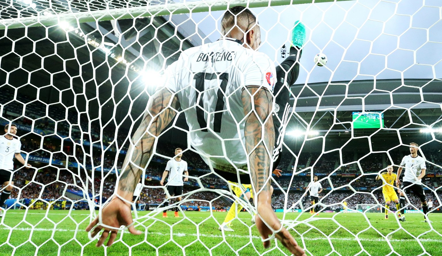 epa05360218 German defender Jerome Boateng clears the ball from the line during the UEFA EURO 2016 group C preliminary round match between Germany and Ukraine at Stade Pierre Mauroy in Lille Metropole, France, 12 June 2016.