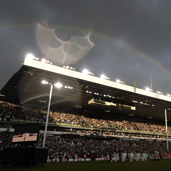 epa05964744 A rainbow is seen across the stadium after the English Premier league game between Tottenham Hotspur and Manchester United at White Hart Lane stadium in London, Britain, 14 May 2017.  EPA/FACUNDO ARRIZABALAGA EDITORIAL USE ONLY. No use with unauthorized audio, video, data, fixture lists, club/league logos or 'live' services. Online in-match use limited to 75 images, no video emulation. No use in betting, games or single club/league/player publications.