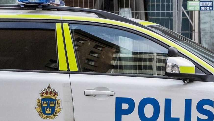 In-Schweden-verungl-ckte-Schweizer-trugen-alle-Gurte