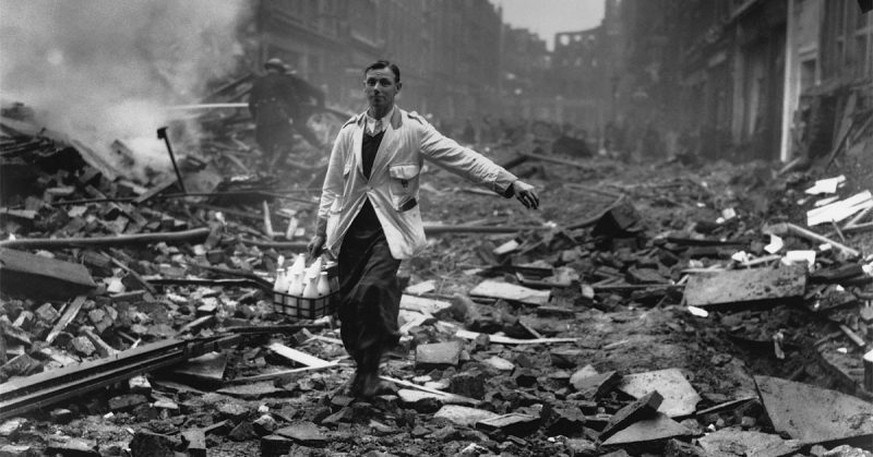 the london milkman danny borley london the blitz october 9 1940 zweiter weltkrieg bombenterror https://twitter.com/DannyDutch/status/871440972684644352/photo/1