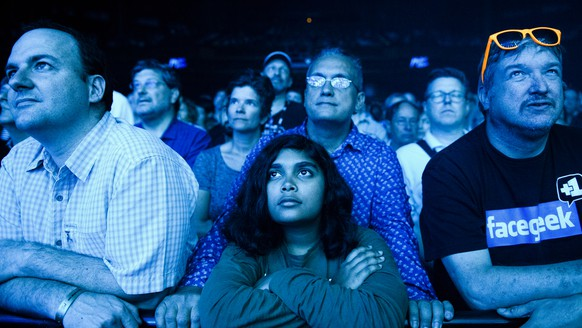 Fans during the performance of Jean-Michel Jarre in front of the stage of the Auditorium Stravinski during the 50th Montreux Jazz Festival, in Montreux, Switzerland, Monday, July 11, 2016. (KEYSTONE/Manuel Lopez)