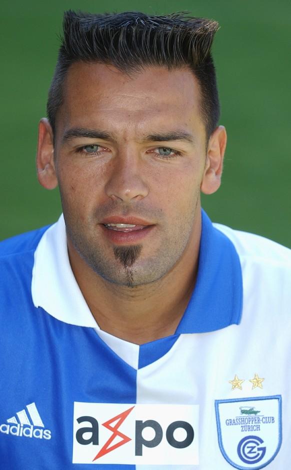 Portrait vom Grasshopper Club Spieler Fernando Gamboa, aufgenommen am 14. Juli 2003 in Zuerich. (KEYSTONE/Walter Bieri)