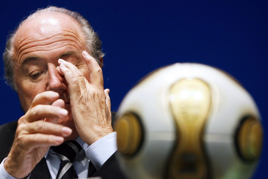 FILE --- A file picture dated 27 June 2007 of FIFA President Joseph Blatter during a press conference in Zurich, Switzerland. FIFA president Joseph Blatter has been provisionally suspended for 90 days by the FIFA ethics committee, media reports stated on Wednesday, 7 October 2015.(KEYSTONE/Alessandro Della Bella) *** Local Caption *** 51971917