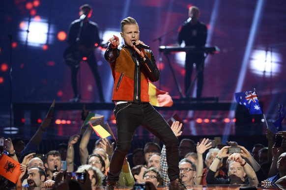 epa05300229 Nicky Byrne (C) of Ireland performs the song 'Sunlight' during rehearsals for the Second Semi-Final of the 61st annual Eurovision Song Contest (ESC) at the Ericsson Globe in Stockholm, Sweden, 11 May 2016. The event's grand final takes place on 14 May.  EPA/MAJA SUSLIN SWEDEN OUT