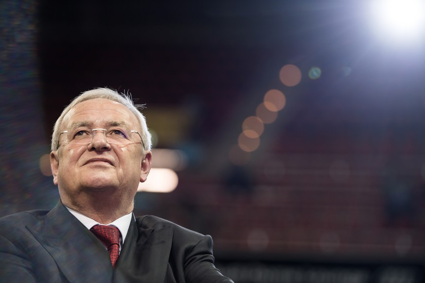 epa06710198 (FILE) - Former CEO of German car manufacturer Volkswagen (VW), Martin Winterkorn, arrives for the annual general meeting of German Bundesliga club FC Bayern Munich in Munich, Germany, 24 November 2017 (reissued 04 May 2018). Former Volkswagen CEO, Martin Winterkorn, has been indicted on fraud charges in the US over its efforts to conceal compliance with US federal emission standards.  EPA/LUKAS BARTH