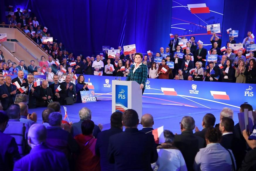 Polen: Wie eine Partei die Demokratie aushöhlt – in 3 Schritten