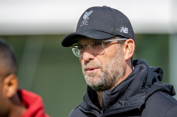 epa07551334 Liverpool's manager Juergen Klopp leads his team's training session at Melwood training complex in Liverpool, Britain, 06 May 2019. Liverpool FC will face FC Barcelona in their UEFA Champions League semi final, second leg soccer match on 07 May 2019.  EPA/PETER POWELL