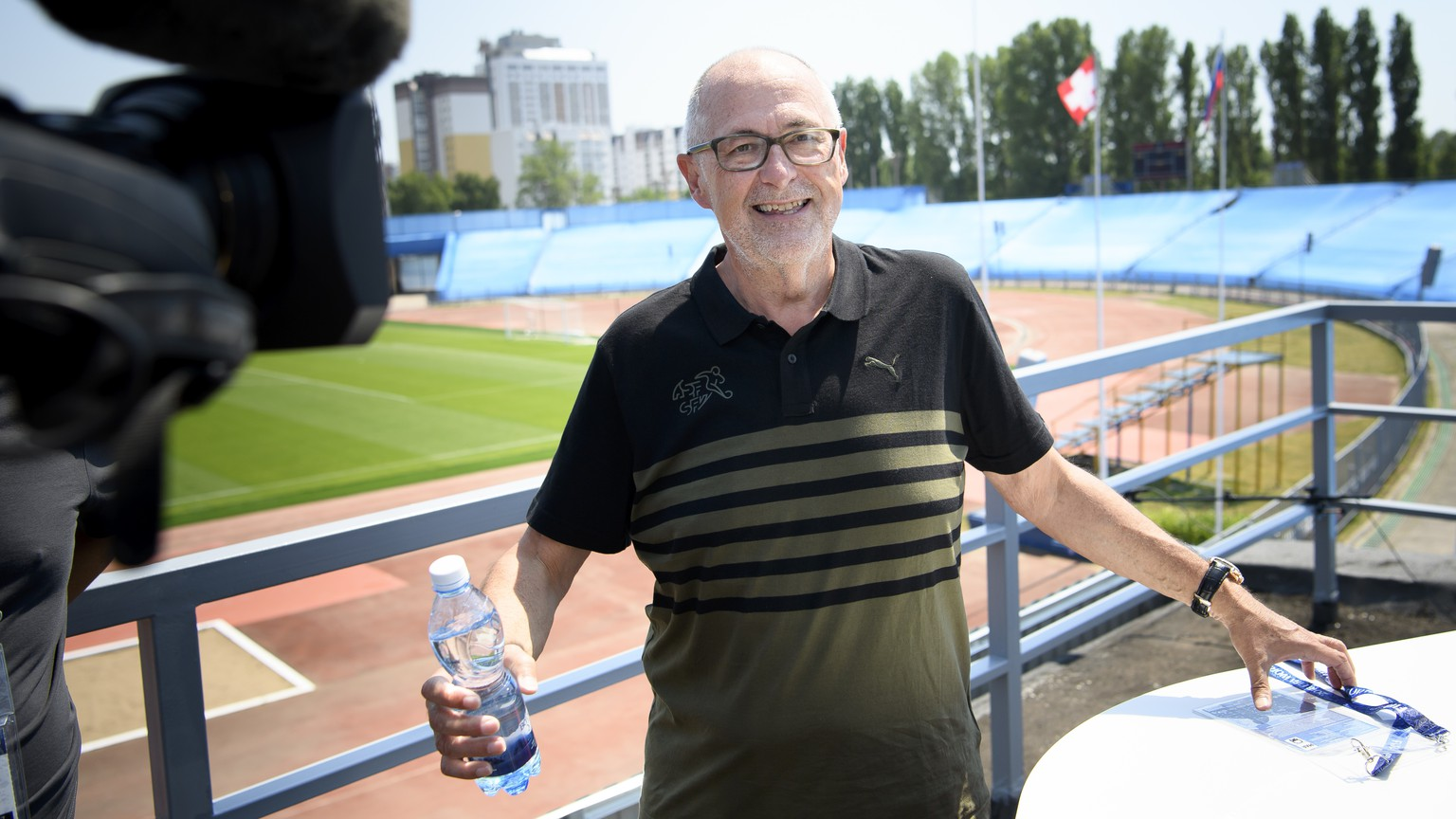 Peter Gillieron, President of the Swiss Football Association, SFV, answers questions from TV journalist before a press conference of the Switzerland's national soccer team at the Torpedo Stadium, in Togliatti, Russia, Sunday, June 24, 2018. The Swiss team is in Russia for the FIFA World Cup 2018 taking place from 14 June until 15 July 2018. Team Switzerland is based in Togliatti in the Samara district. (KEYSTONE/Laurent Gillieron)