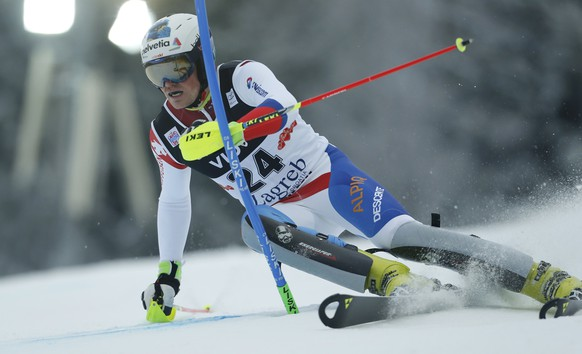Daniel Yule of Switzerland clears a pole during the first slalom run of the men's Alpine Skiing World Cup in Zagreb January 6, 2015.       REUTERS/Antonio Bronic (CROATIA  - Tags: SPORT SKIING)