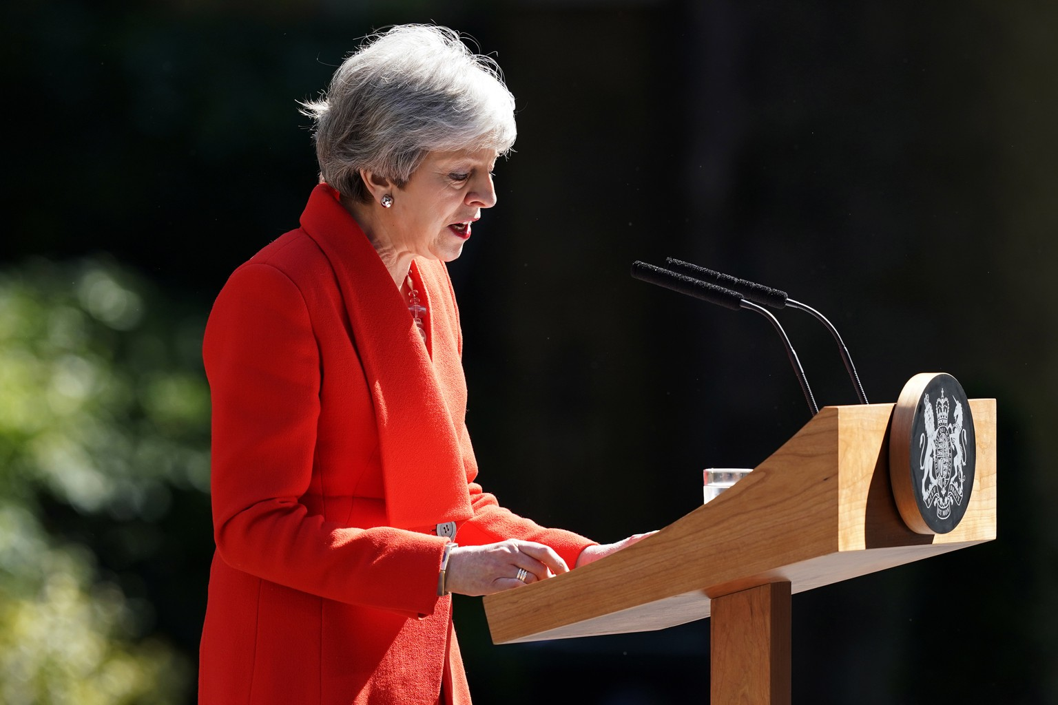 epa07596522 Britain's Prime Minister Theresa May makes a statement on at Downing Street in London in Britain, 24 May 2019. May announced she would resign from office on 07 June 2019. Amid the gridlock with MPs over her handling of Brexit, in her latest bid to get Brexit through Parliament, Theresa May on 21 May unveiled a new Withdrawal Agreement Bill, including a possible second referendum, a proposal not supported by ministers and unacceptable to Conservative eurosceptics.  EPA/WILL OLIVER