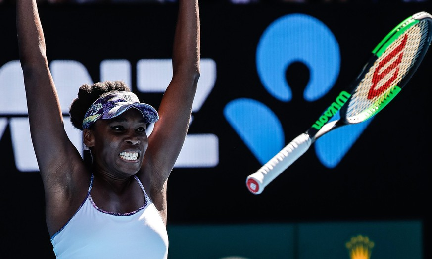 epa05750957 Venus Williams of the USA celebrates after defeating Coco Vandeweghe of the USA  during their Women's Singles semifinal match at the Australian Open Grand Slam tennis tournament in Melbourne, Victoria, Australia, 26 January 2017.  EPA/MADE NAGI