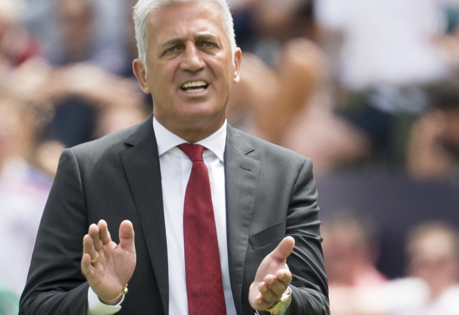 Switzerland's head coach Vladimir Petkovic during the UEFA Nations League third place soccer match between Switzerland and England at the D. Afonso Henriques stadium in Guimaraes, Portugal, on Sunday, June 9, 2019. (KEYSTONE/Jean-Christophe Bott)