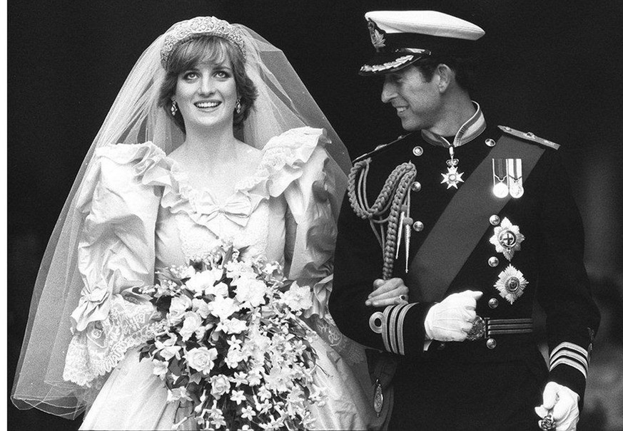 The Princess and Prince of Wales are seen on their wedding day in London in this July 29 1981 photo. (KEYSTONE/AP Photo/PA)  UNITED KINGDOM OUT
