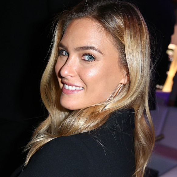 DUESSELDORF, GERMANY - OCTOBER 23:  Bar Rafaeli attends the InTouch Awards 2014 at Port Seven on October 23, 2014 in Duesseldorf, Germany.  (Photo by Mathis Wienand/Getty Images for InTouch)