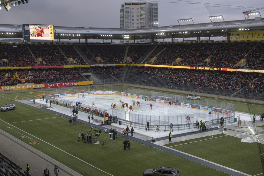 General view on the ice hockey championship match of the National League between the SCL Tigers and the SC Bern, on Wednesday, January 2, 2019, at the Stade de Suisse in Bern, Switzerland. (KEYSTONE/Marcel Bieri)