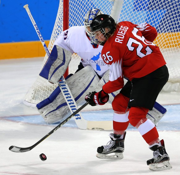 epa06538242 Dominique Ruegg of Switzerland in action  during the women's Ice Hockey Classifications match between Switzerland and Korea at the Kwandong Hockey Centre during the PyeongChang Winter Olympic Games 2018, in Gangneung, South Korea, 18 February 2018.  EPA/SRDJAN SUKI