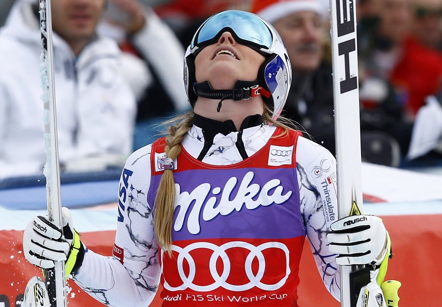 Lindsey Vonn of the U.S. reacts following the second run of the Women's Sprint Downhill race of the Alpine Skiing World Cup in Zauchensee, Austria, January 9, 2016.       REUTERS/Leonhard Foeger