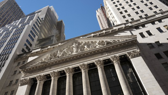 FILE - This Dec. 21, 2016, file photo shows the New York Stock Exchange. Stocks are opening lower on Wall Street, Wednesday, Jan. 10, 2018, as a New Year's rally runs out of gas.  The major U.S. stock indexes were mixed in early trading Friday, Jan. 19, 2018  as gains by banks and consumer-focused companies outweighed losses in energy and other sectors. The price of oil fell on a report saying U.S. production is set to rise further above 50-year highs.(AP Photo/Mark Lennihan, File)