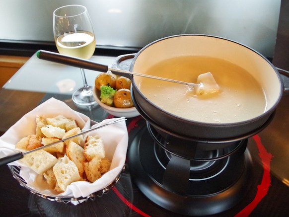 fondue fribourgeois http://thefrenchtable.ca/dinner-gallery/