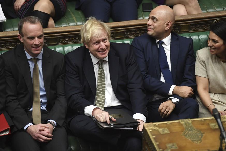 Britisches Parlament stimmt für Brexit-Vertrag