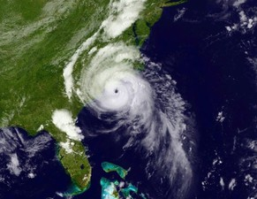 Hurricane Arthur is seen moving up the east coast of the United States in an image taken from NOAA's Goes-East satellite at 17:12EDT (21:12GMT) July 3, 2014. The first hurricane of the Atlantic season gained strength on Thursday as it spun closer to the North Carolina coast, bringing the anticipated stiff wind gusts and heavy rain that forced thousands of vacationers to scrap their July Fourth holiday plans amid evacuation orders.  REUTERS/NOAA/Handout via Reuters (UNITED STATES - Tags: ENVIRONMENT DISASTER) ATTENTION EDITORS - REUTERS IS UNABLE TO INDEPENDENTLY VERIFY THE AUTHENTICITY, CONTENT, LOCATION OR DATE OF THIS IMAGE. FOR EDITORIAL USE ONLY. NOT FOR SALE FOR MARKETING OR ADVERTISING CAMPAIGNS