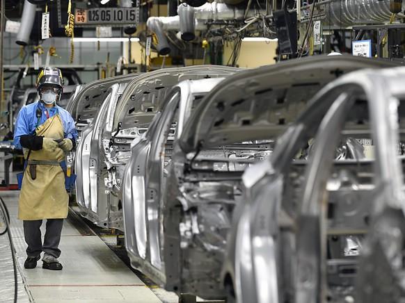 Die Exportnation Japan leidet zunehmend unter dem Handelskonflikt zwischen ihren beiden wichtigen Kunden USA und China. Die Ausfuhren sind im April bereits um weitere 2,4 Prozent gesunken. (Archiv)
