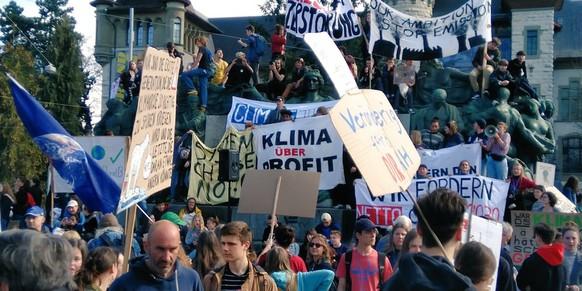 Klimademo Bern 6.4.2019 https://twitter.com/AntiAll3s/status/1114536684375425024