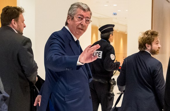epa07567368 Mayor of Levallois-Perret Patrick Balkany (C) arrives at the Paris courthouse, 13 May 2019. Balkany is being prosecuted with his wife for two counts of tax fraud and he is  suspected of having hidden an estate of at least 13 million euros from the tax authorities.  EPA/CHRISTOPHE PETIT TESSON