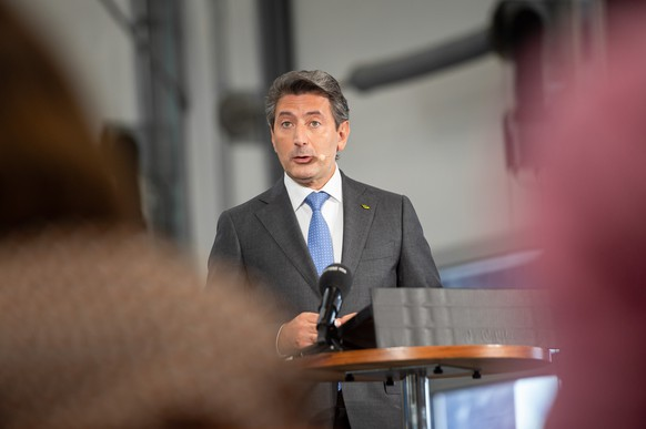 Roberto Cirillo, CEO der Schweizerischen Post, spricht waehrend einer Medienkonferenz, am Donnerstag, 22. August 2019 in Cadenazzo im Tessin. (KEYSTONE/Ti-Press/Elia Bianchi)