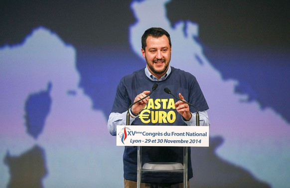 Matteo Salvini, a member of Italy's League of North, delivers a speech during the France's far-right National Front congress in Lyon November 29, 2014.  REUTERS/Robert Pratta (FRANCE - Tags: POLITICS)