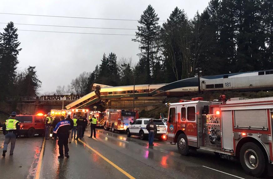 Drei Tote bei Zugunglück nahe Seattle
